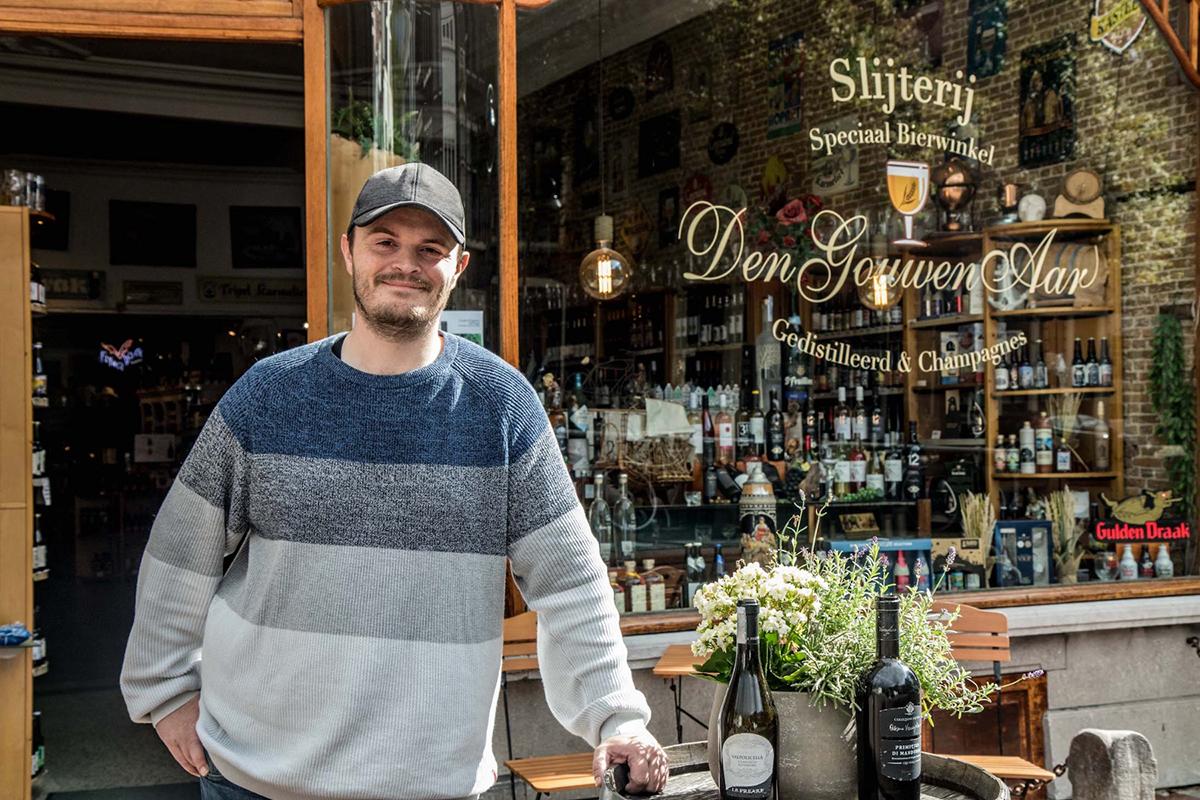In de bierwinkel bij Geert Jonker (Den Gouwen Aar)